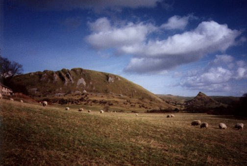 dovedale_chrome_hill.jpg (33482 bytes)